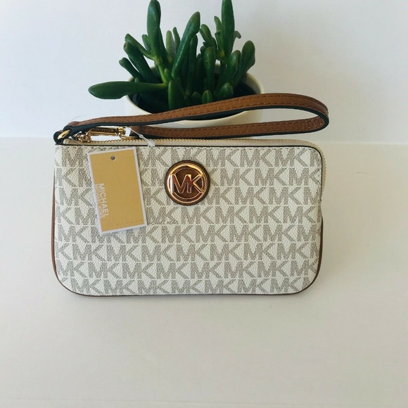 Michael Kors Handbags - Michael Kors Fulton Top Zip Wristlet Signature